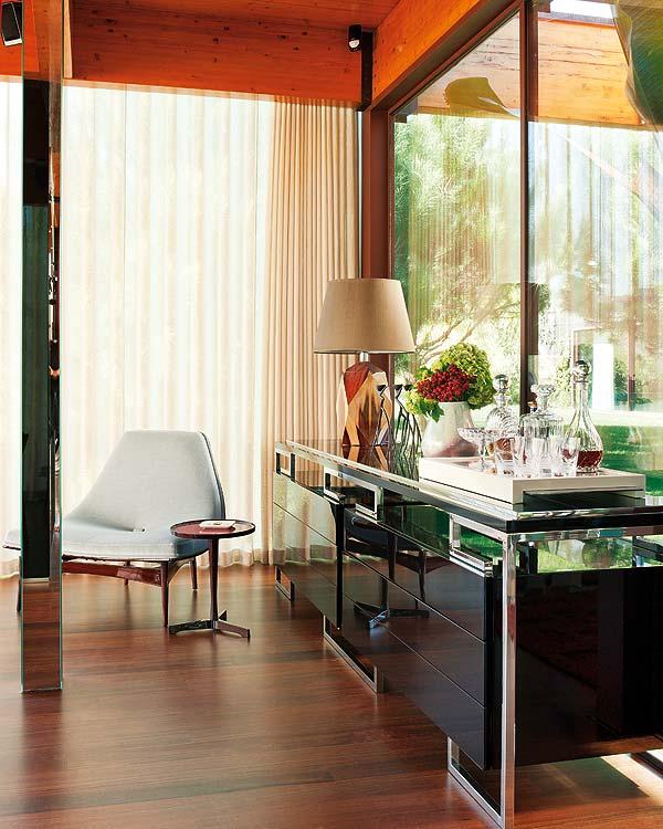 Madeira e minimalismo!