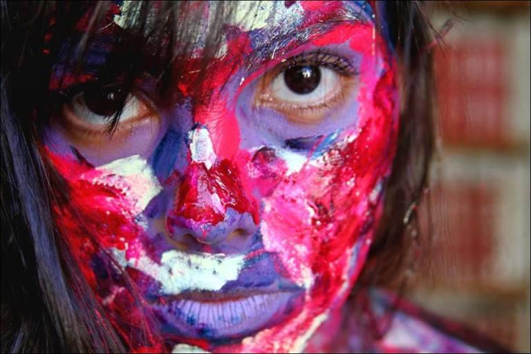 """Projeto """"Alma Nua""""   Jessica Valmorbida aos cliques de Silvia Maria Fotografia. Pintura de Karla Bratfisch.  Saiba mais sobre o projeto: http://projetoalmanua.tumblr.com/"""