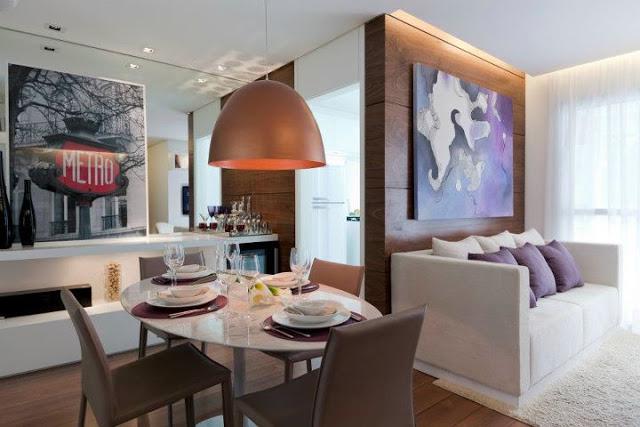 Pendente cor cobre destacando a mesa de jantar!!!