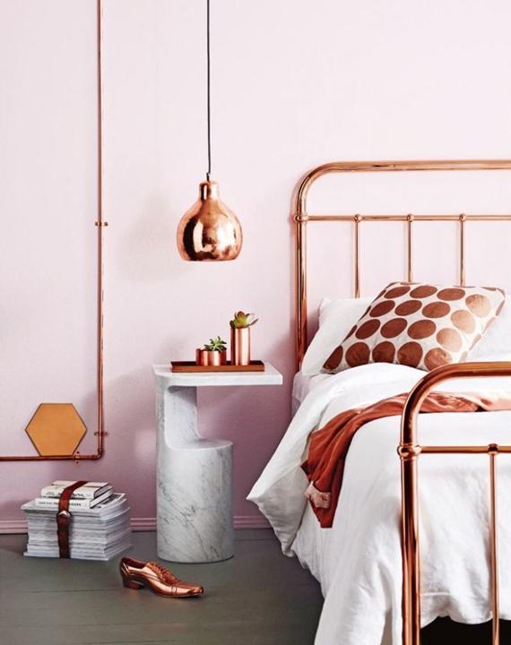 Canos de cobre, pendente e veja a cama!! Charme e beleza!!!