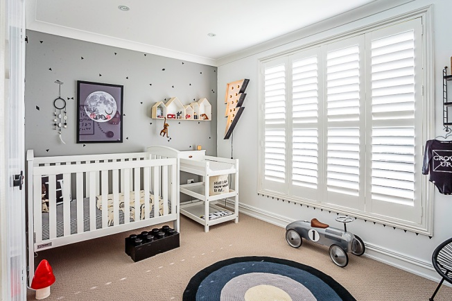 quarto infantil clean