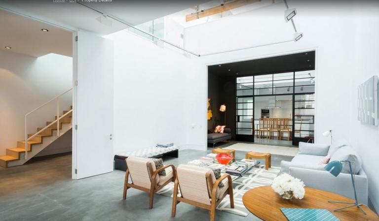 Poucos detalhes do minimalismo que com as cores e alegria do maximalismo transformando os ambientes!!!
