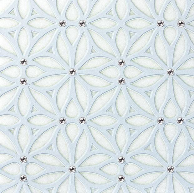 Bordatto Thassos, com aplicação de cristais Swarovski - Mosarte